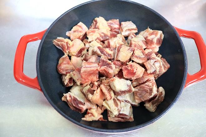 番茄浓汤牛肉焖锅的步骤
