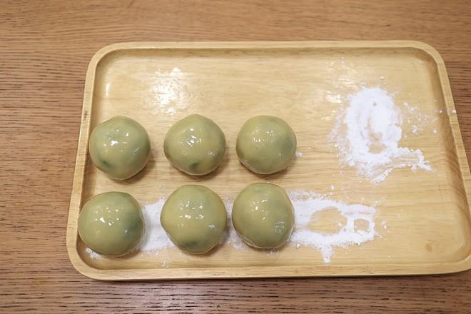 绿豆沙奶黄月饼的步骤