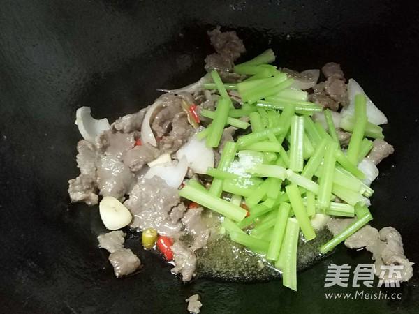 小炒牛肉怎么煮