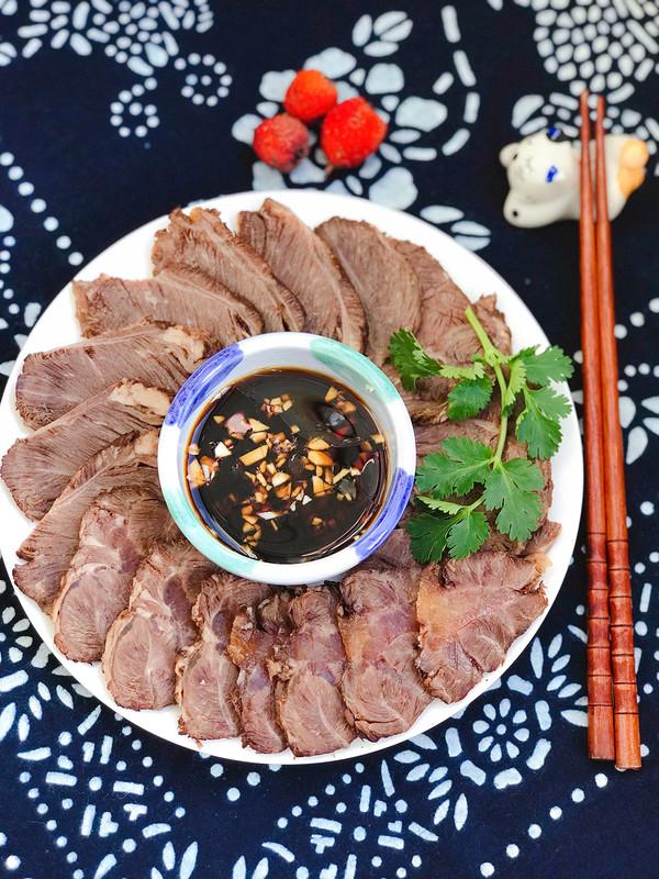 高压锅版酱牛肉成品图