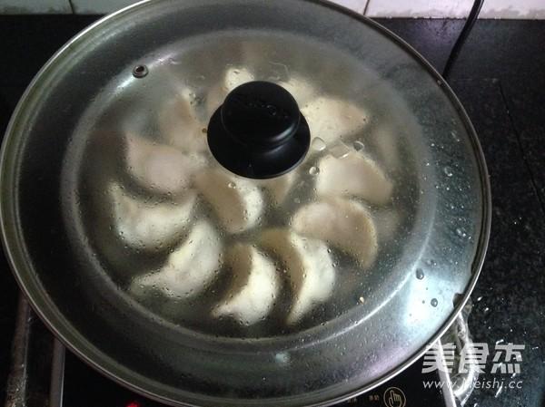 蕨根粉虾饺怎样煸