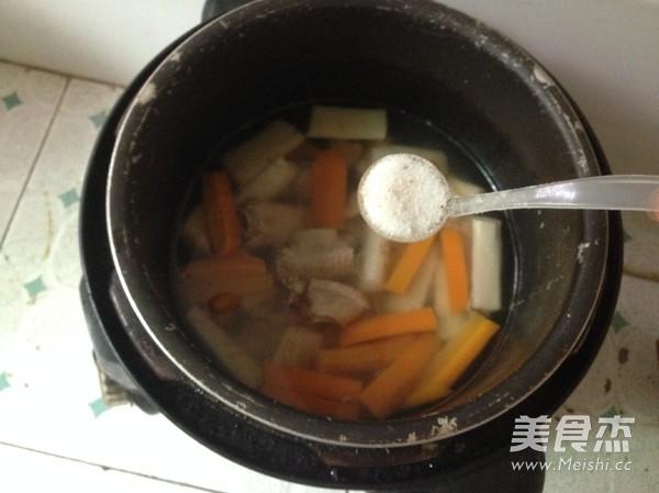 胡萝卜山药排骨汤怎么吃