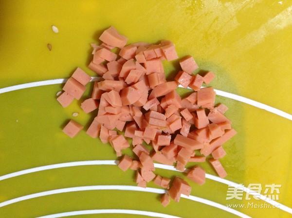 火腿粒开花面包的做法图解