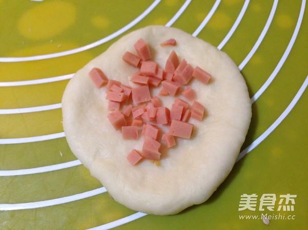 火腿粒开花面包的简单做法