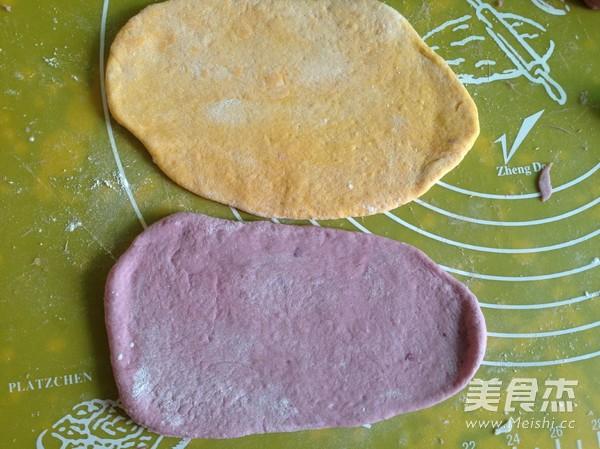南瓜紫薯豆沙面包卷怎么炒