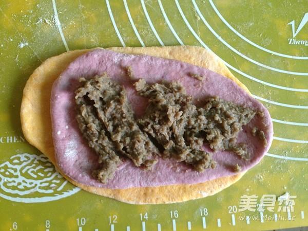 南瓜紫薯豆沙面包卷怎么煮