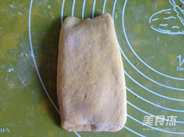南瓜紫薯豆沙面包卷怎么炖
