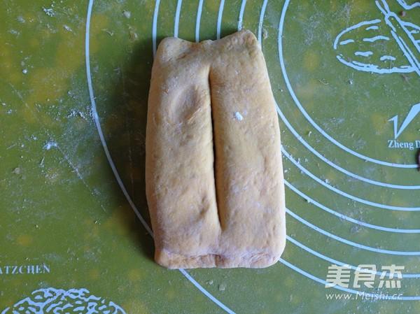 南瓜紫薯豆沙面包卷怎么煸