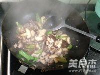 香菇炒肉片怎么煮
