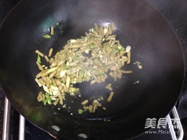 酸豆角拌面的简单做法
