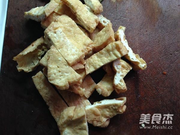 红萝卜炒油豆腐的做法大全
