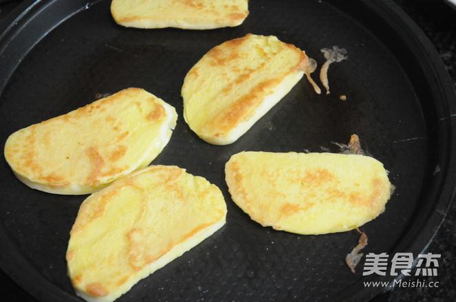 鸡蛋香煎馒头片的简单做法