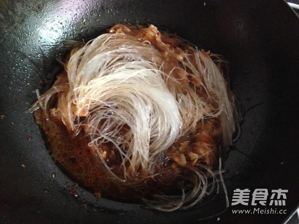 鸡胸肉烧绿豆粉丝怎么炒