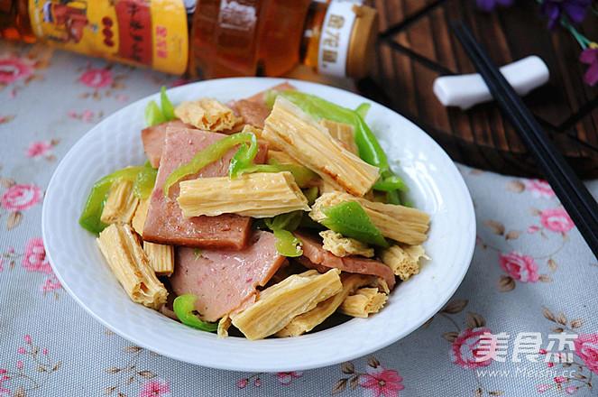 腐竹炒午餐肉怎么煮