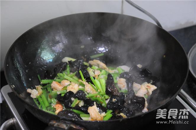 芹菜炒肉片怎么炖