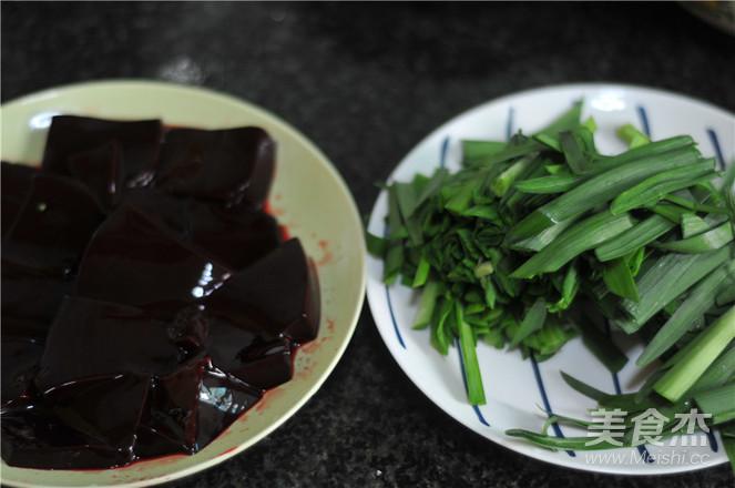 韭菜炒猪血的做法图解