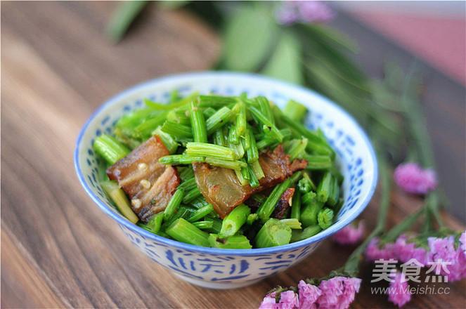 芹菜炒腊肉怎么吃