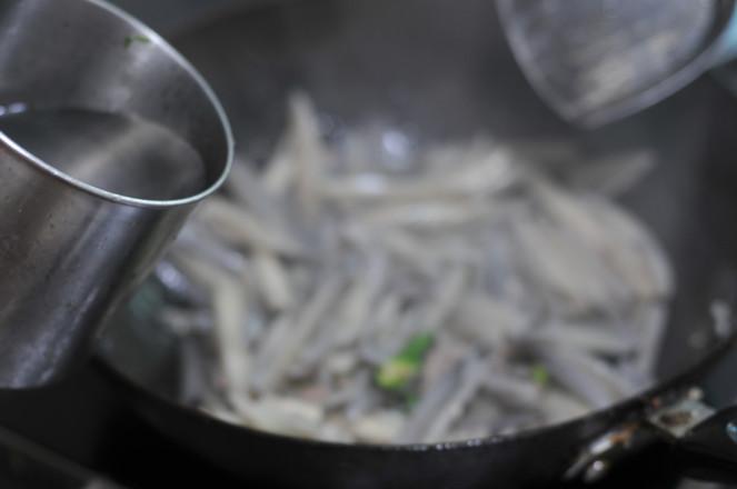 肉片炒藕条的简单做法