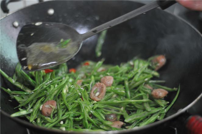 四季豆炒肉肠怎么炒