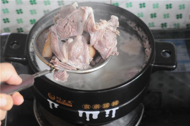 土豆羊排煲怎么吃