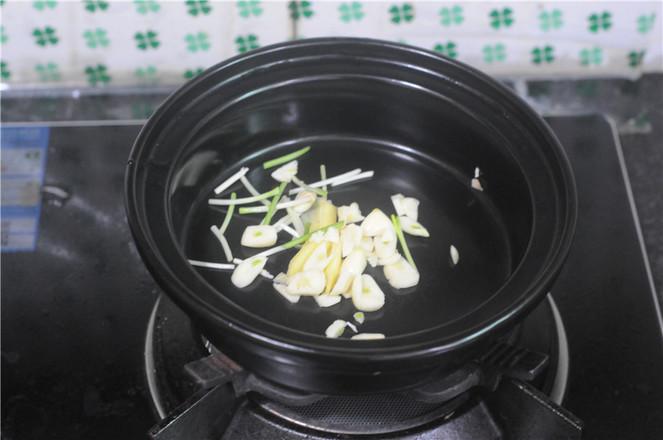 小鸡炖蘑菇的家常做法