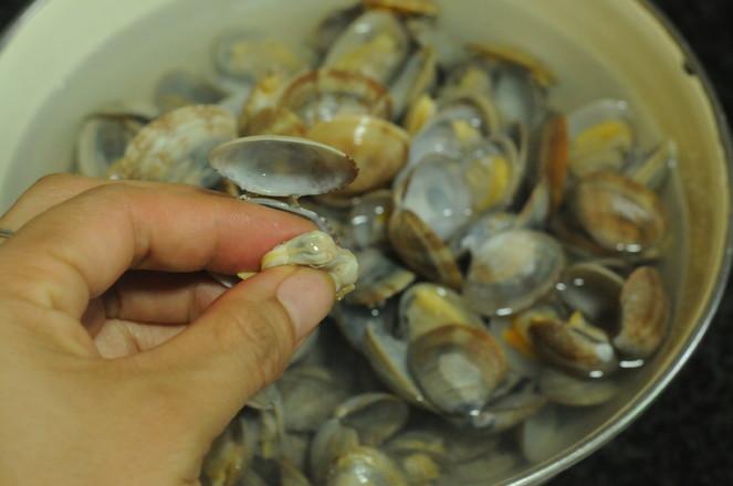葱香蛤蜊的简单做法