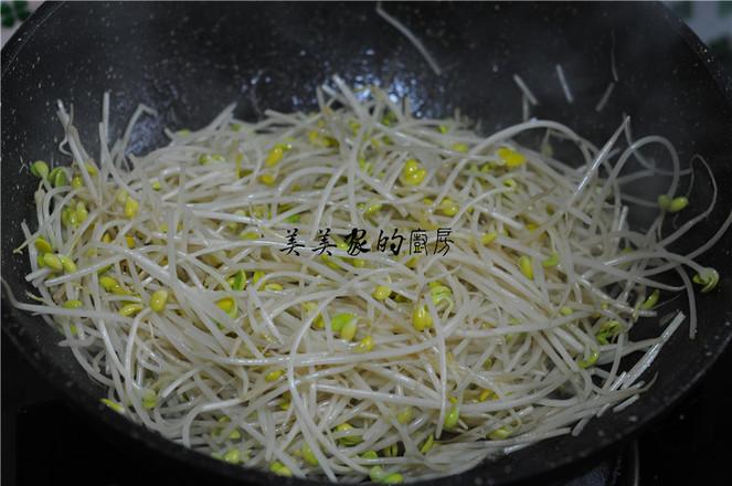 黄豆芽粉丝炒韭菜的简单做法