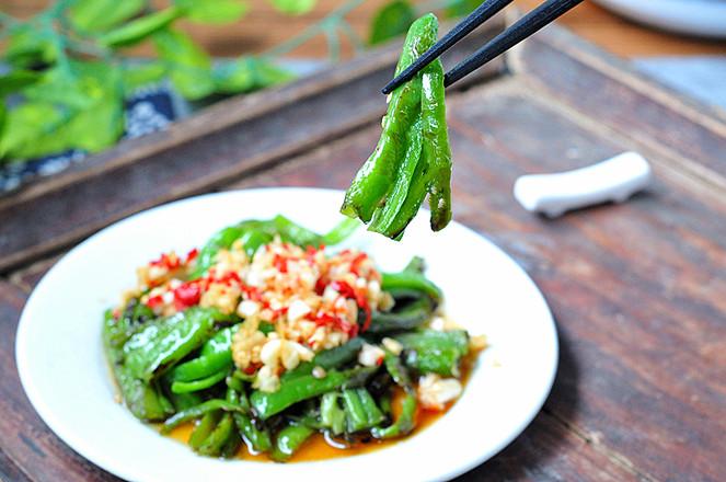 蒜米拌青椒成品图