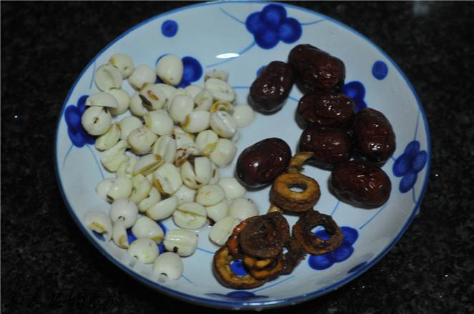 山楂红枣莲子粥的简单做法