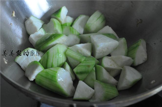 菌菇丝瓜鸡蛋汤的简单做法