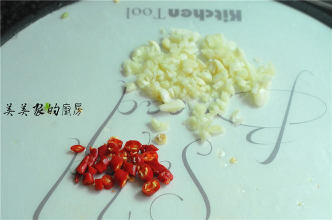 蒜香开胃油麦菜的家常做法