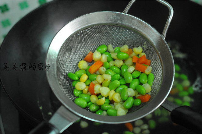 蝶豆花炒饭的简单做法