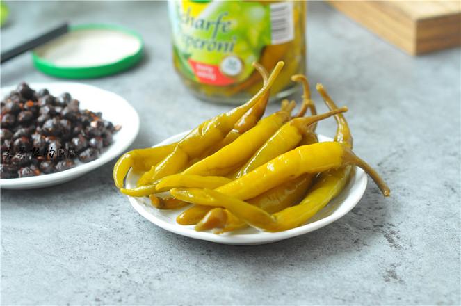 黑豆豉炒腌绿辣椒的做法图解