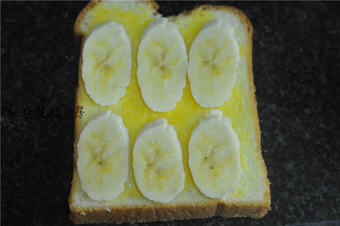 香蕉烤土司的家常做法