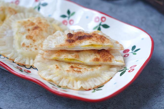 饺子皮灌饼成品图