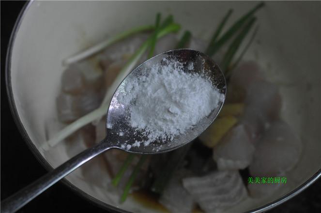 金针菇蒸巴沙鱼的简单做法