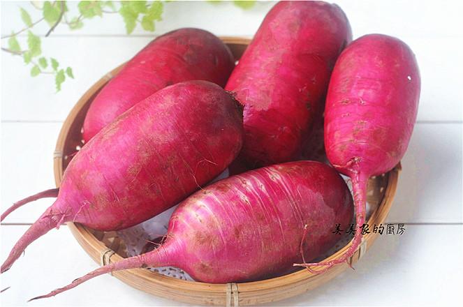 """春节必备的一道菜:""""花开富贵紫美人萝卜卷"""",寓意富贵吉祥,好彩头哦!的做法大全"""