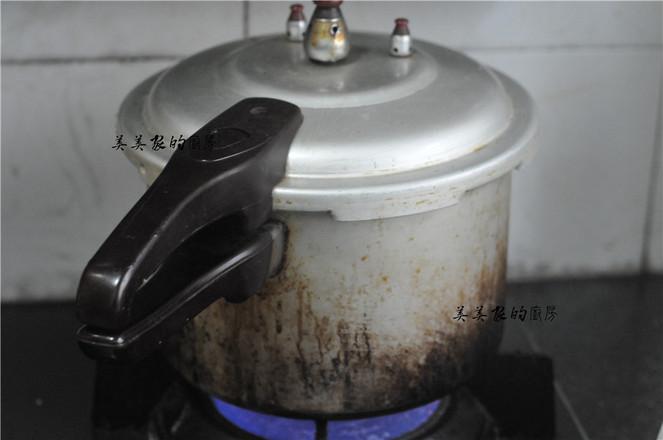 五红肉松饭团的简单做法