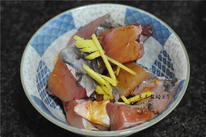 田螺紫苏烧鱼的做法图解