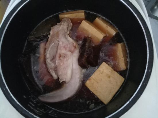卤猪舌豆干怎么炒