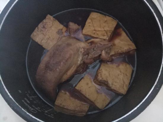 卤猪舌豆干怎么煮