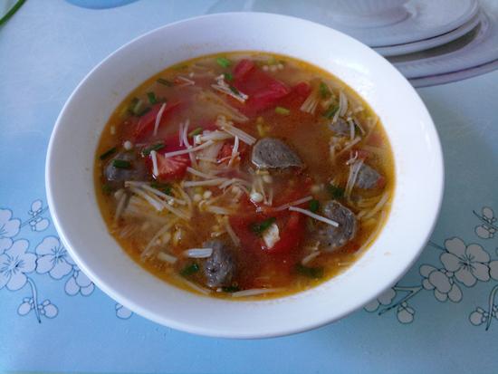 番茄金针菇牛肉丸汤怎么炖