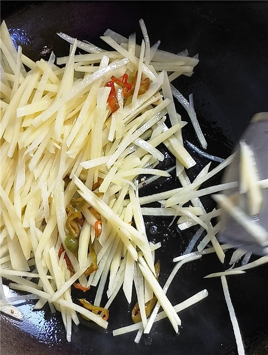 醋溜土豆丝的家常做法