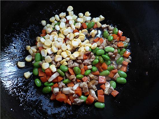 三色藜麦毛豆肉丁饭怎么做