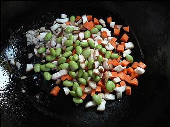 三色藜麦毛豆肉丁饭怎么吃