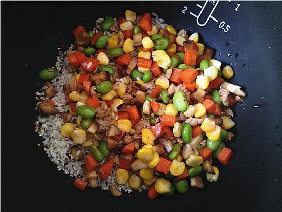 三色藜麦毛豆肉丁饭怎么煮