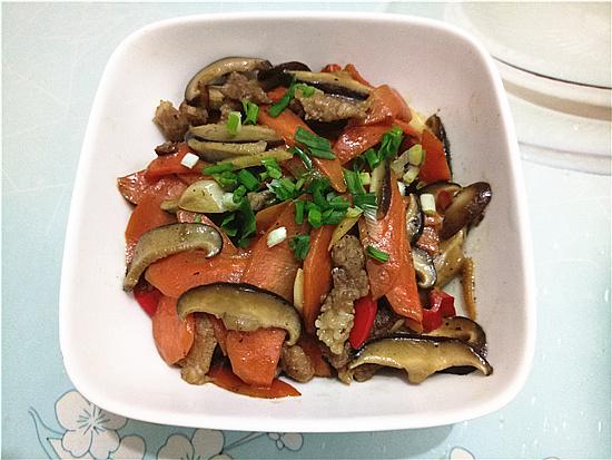 胡萝卜香菇炒肉怎样煮