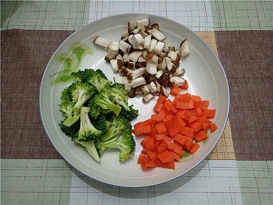 玉米藜麦鸡胸杂蔬沙拉的简单做法