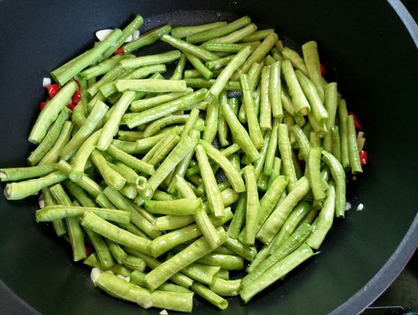 虾酱炒豆角的家常做法