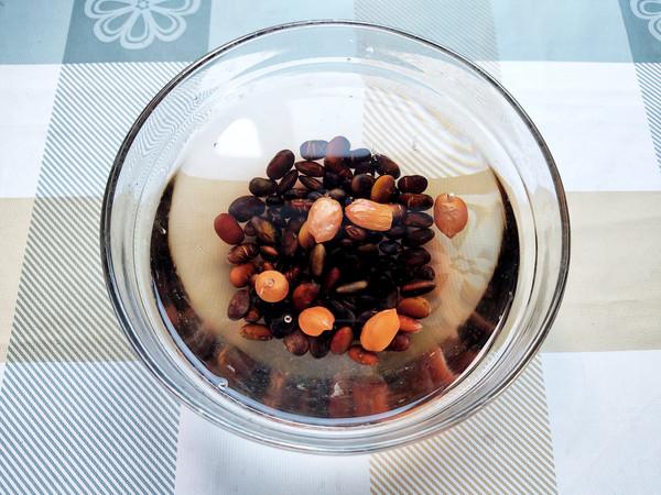 红枣花生黑豆浆的家常做法